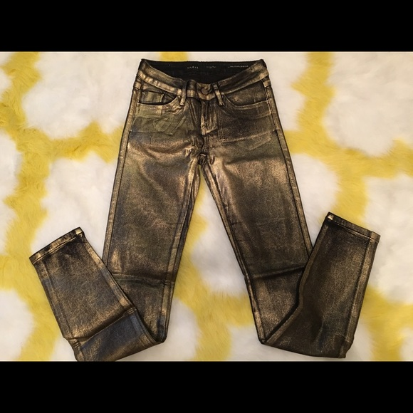 3c5b3c90493b7 Guess Jeans | Gold Brittney Leggings | Poshmark